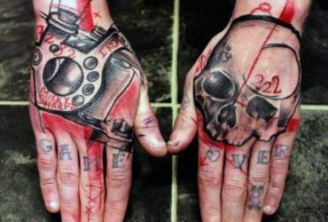 male-skull-tattoos-hand